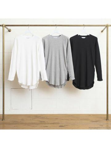 Long-sleeve long T-shirt