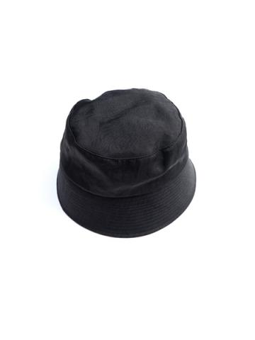 WATERPROOF NYLON BUCKET HAT (BLK)