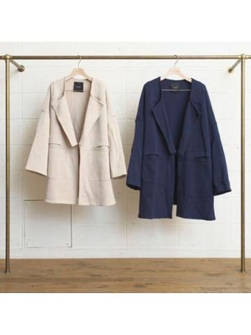 10G collarless knit coat.